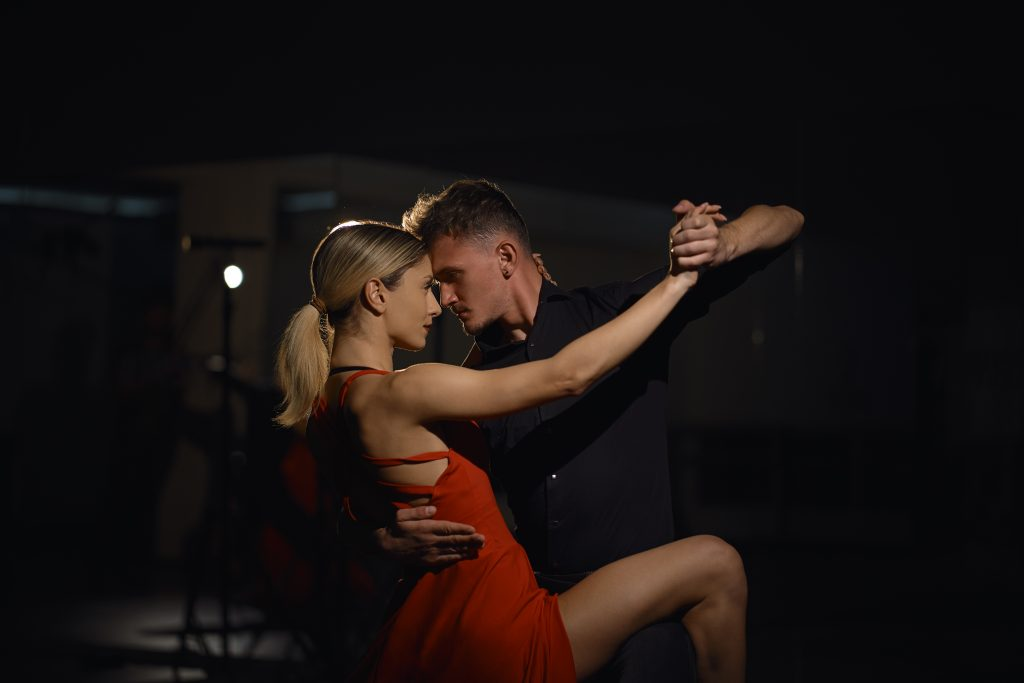 beautiful passionate dancers dancing 8ZP6B3J