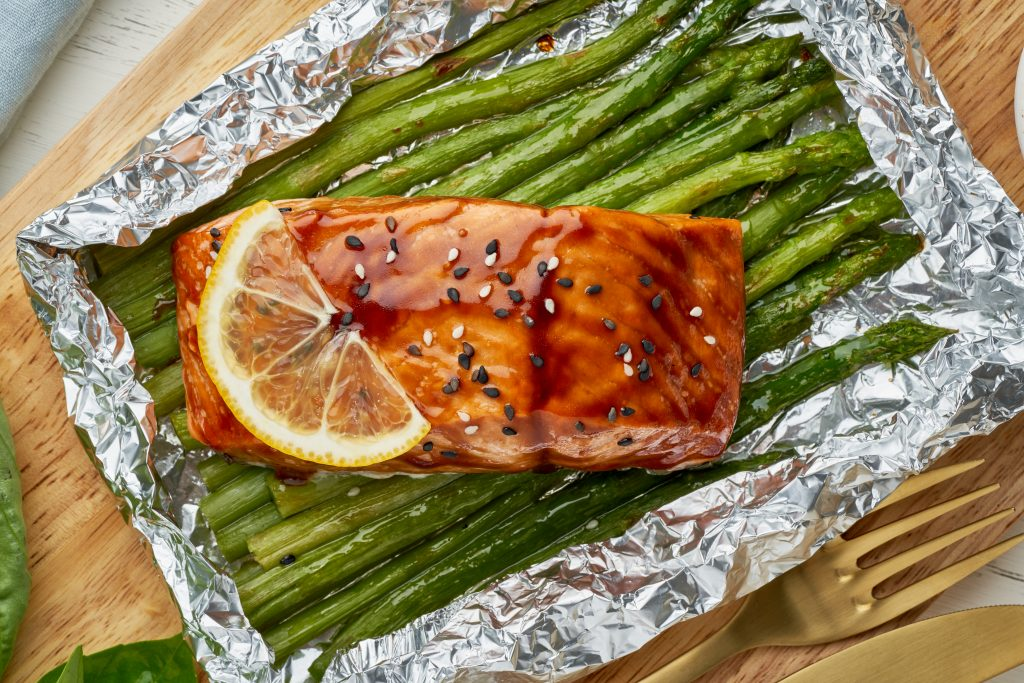 foil pack dinner with red fish fillet of salmon wi QBFE4BL