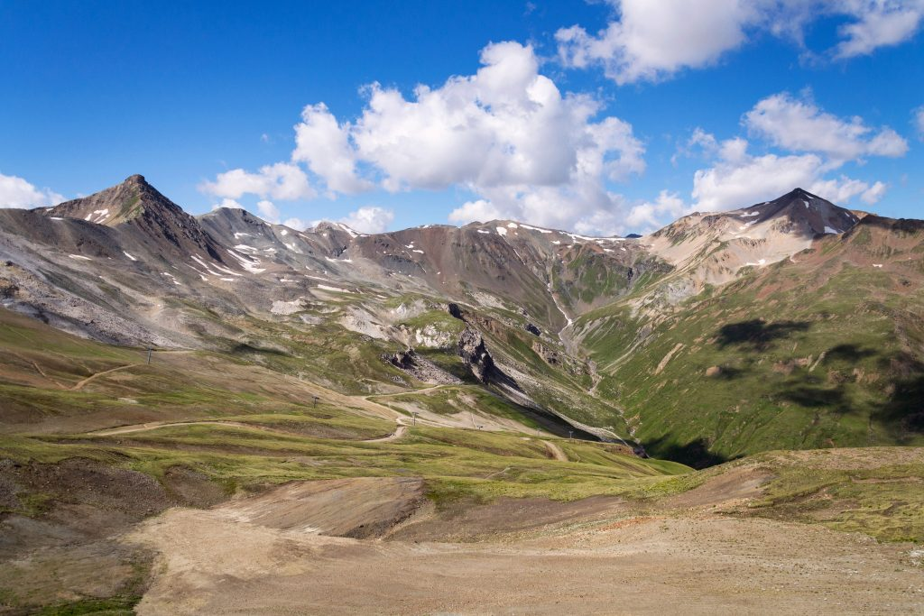 mountains of livigno alps on the border between italy and switzerland view from lac salin cable car t20 jRe1aX 2