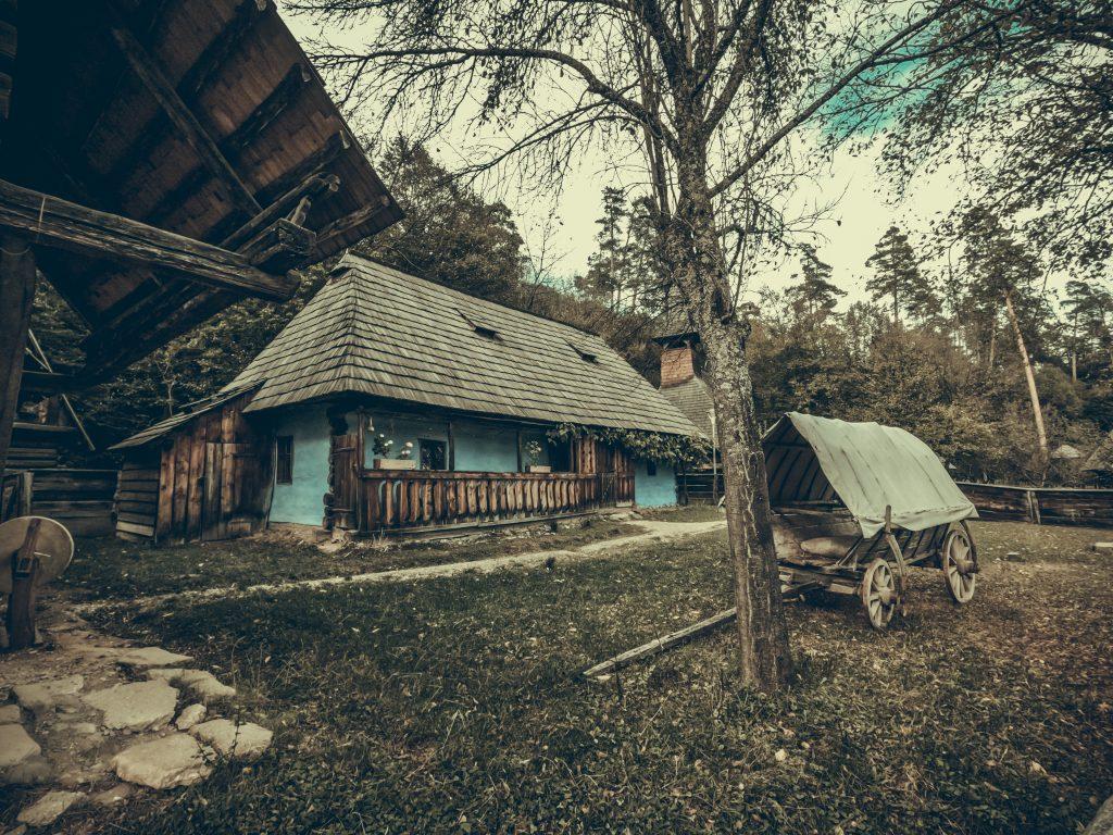 old romanian house ST6RGJL