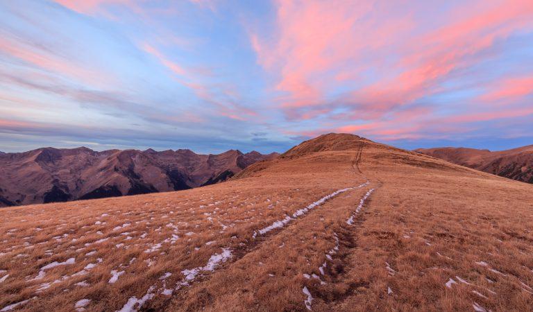 Către ai cerului nori, către Munții Făgăraș