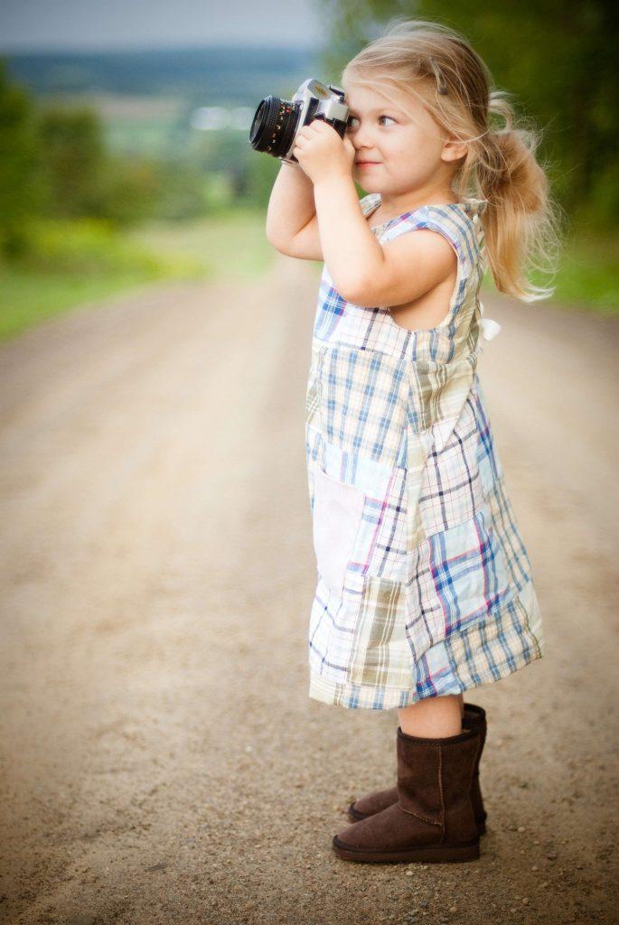 little girl 1867297 1920