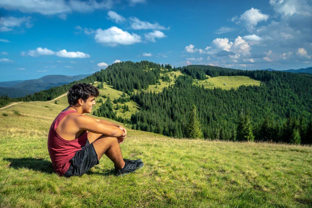 vacation to mountains 2021 04 04 16 57 50 utc